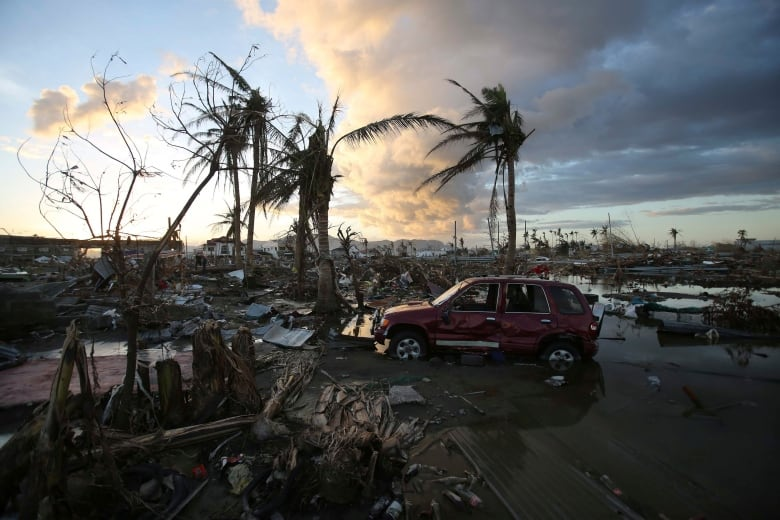 Philippines homeless from typhoon hits 1.9 million