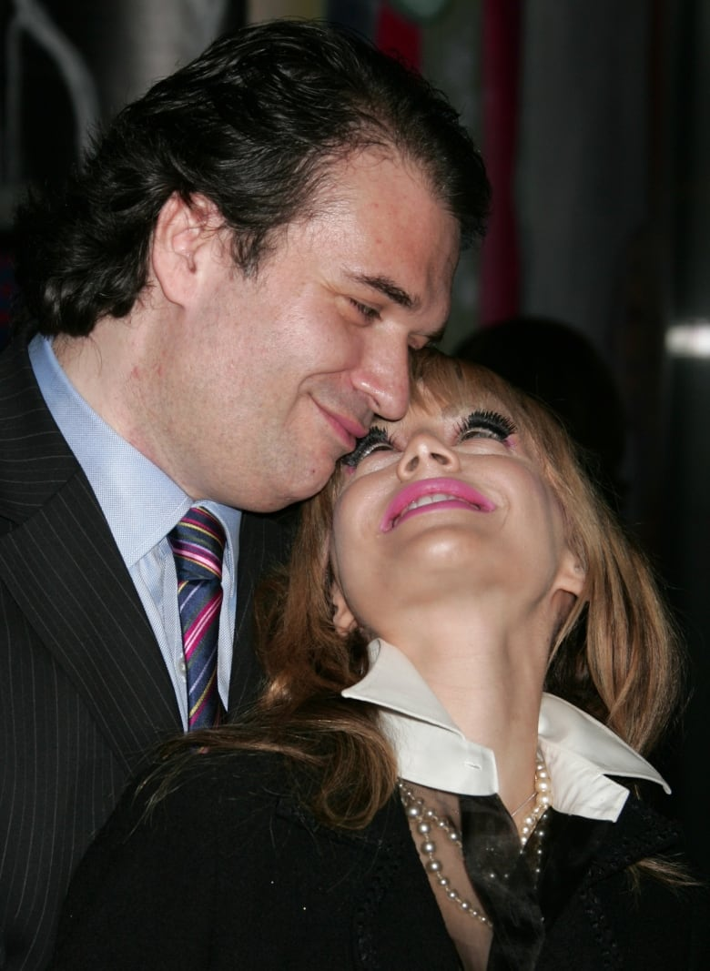 Brittany Murphy's cause of death challenged by father | CBC News