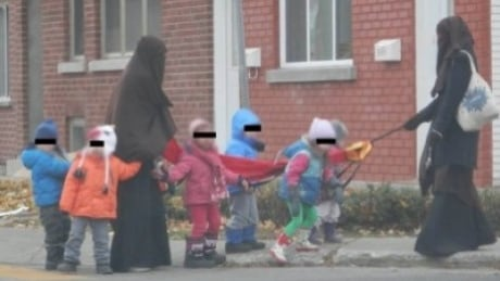 Fallout from controversial photo threatens Verdun daycare