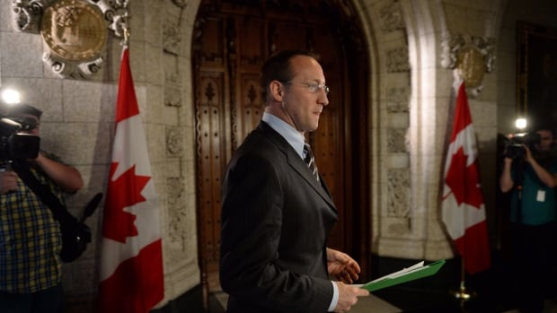 Justice Minister Peter MacKay announces the government's new cyberbullying act on Parliament Hill on Wednesday.