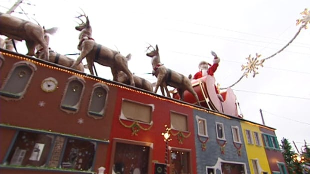 Santa Claus and his reindeer will arrive in St. John's at noon on Sunday, for the annual Downtown St. John's Christmas Parade.