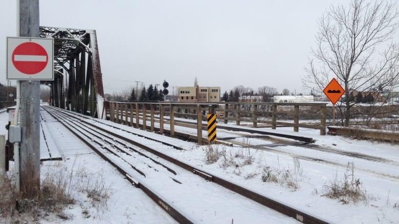 Drop CN bridge appeal, Fort William First Nation chief tells