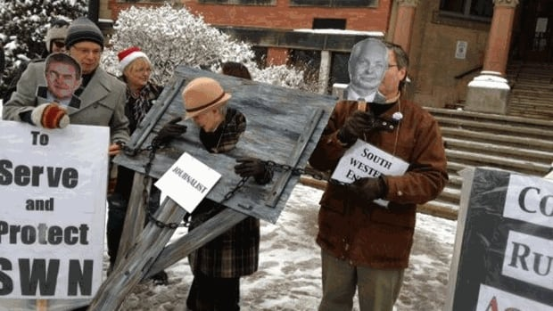 Shale gas protesters gathered outside the Fredericton courthouse before SWN injunction hearing