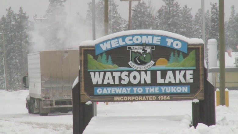 watson lake guys The latest news and headlines from yahoo news get breaking news stories and in-depth coverage with videos and photos.