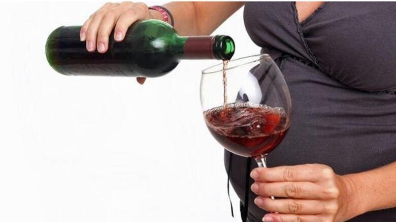 Many pregnant women still consume alcohol despite prenatal checks: U of M study