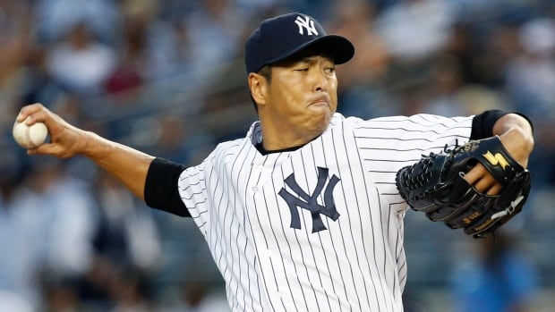 New York Yankees starting pitcher Hiroki Kuroda will be wearing the pinstripes again next season.