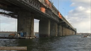 champlain-bridge-construction