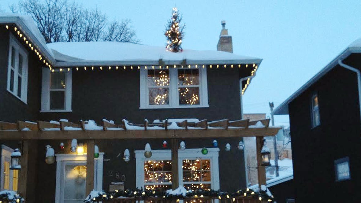 Christmas Decorations Tree Through Roof : Winnipeg christmas tree trick is through the roof