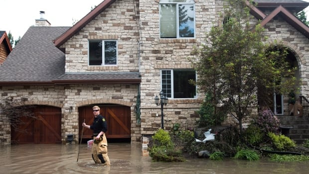 A new report has found 2,300 homes in Calgary saw their market value drop as a result of the June flood.