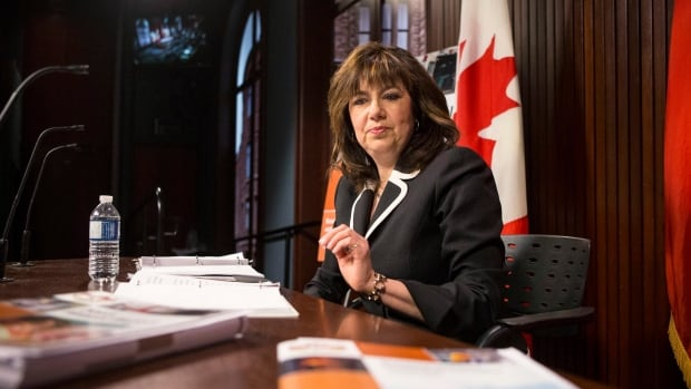 A report by Ontario Auditor General Bonnie Lysyk says the government is missing an opportunity to save money by moving more ServiceOntario transactions online
