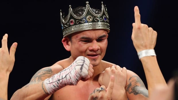 Marcos Maidana celebrates his unanimous decision against Adrien Broner, becoming the new WBA welterweight champion at Alamodome on Saturday in San Antonio, Texas.