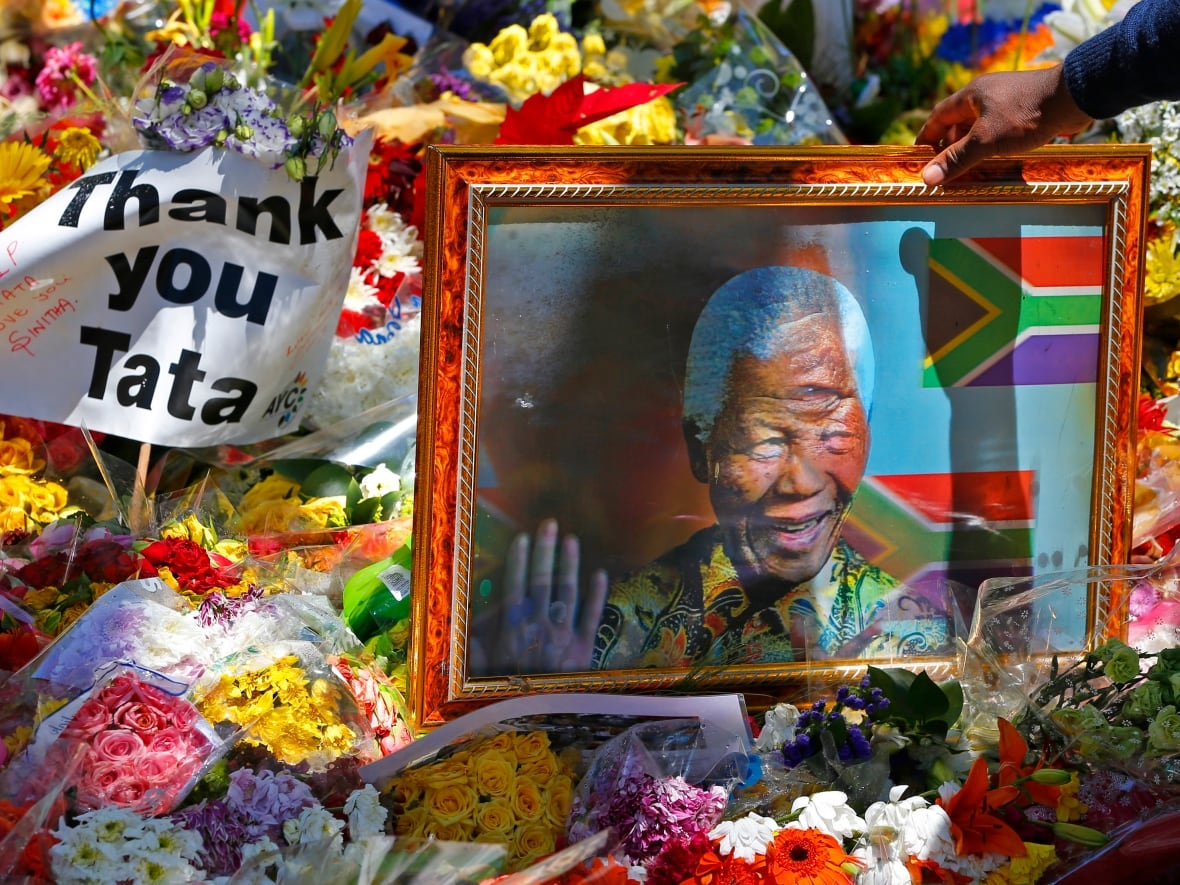 Nelson Mandela Honoured With State Funeral In South Africa Cbc News
