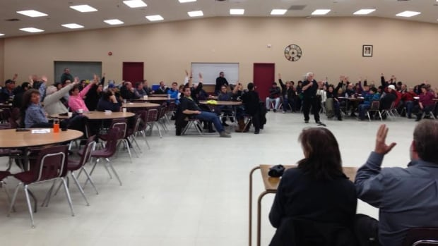 Instead of voicing their concerns, nearly all of the 100-plus people at a public meeting Thursday night spoke about why they favour a new youth centre. The Thunder Bay Indian Friendship Centre wants to turn an old banquet hall into a youth facility.