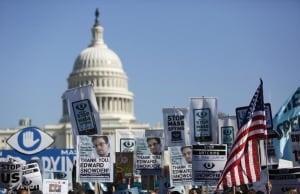Snowden-rally