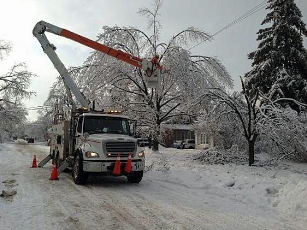 truck.ice.storm