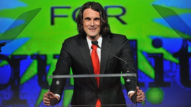 Former Vikings punter Chris Kluwe alleges the team released him because of his stance on gay marriage.