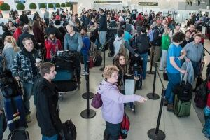 airport.lines.pearson