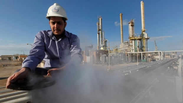 Libya has threatened to sink any tanker taking oil from protester-controlled refineries in the eastern part of the country.