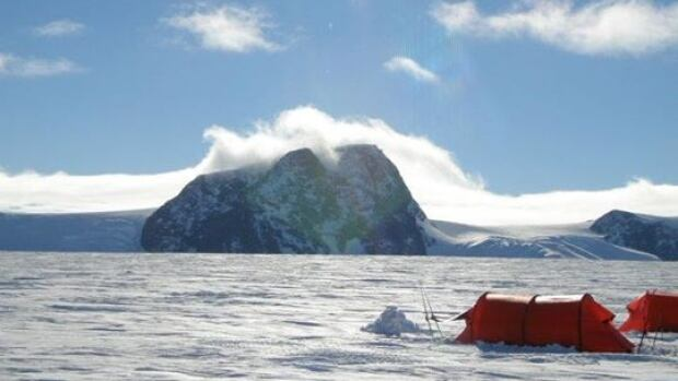 Devon McDiarmid arrived safe and sound at the South Pole after leading two clients on a 42-day, 1,000 km ski across Antarctica.