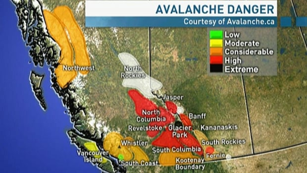 Major avalanche closes B.C.'s Highway 16