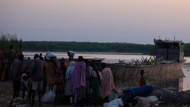 Thousands of people have crossed the Nile river in recent weeks in an attempt to escape fighting in South Sudan. According to the Office for the Coordination of Humanitarian Affairs, there are currently around 84,000 displaced people in the the area.