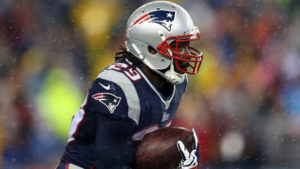 New England Patriots running back LeGarrette Blount has returned kickoffs for 83 and 62 yards and dashed for 73, 36 and 35 yards for touchdowns, all in his last two games.
