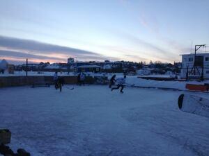 Houseboat hockey