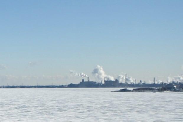 Ice cover on Lake Ontario in Hamilton