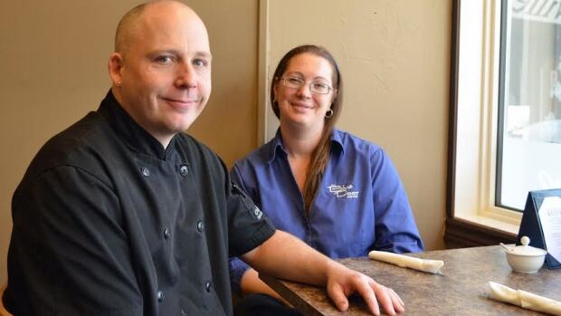Craig and Hollie Napper run the Blue Door Cafe in Thunder Bay. To find out how their kitchen did in its last health unit inspection, one must telephone or visit the health unit. Those reports may eventually be made available online.