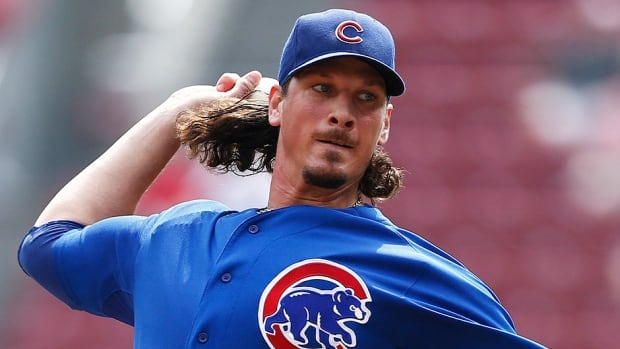 Cubs pitcher Jeff Samardzija asked for $6.2 million US in salary arbitration while the team countered with $2,765,000 after he posted a 8-13 record and 4.34 ERA last season.