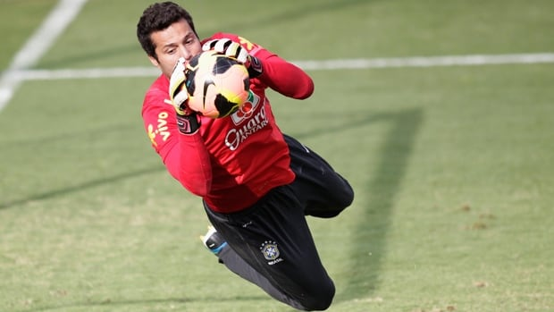 Brazilian keeper Julio Cesar signed a loan deal with Toronto FC of Major League Soccer on Friday.