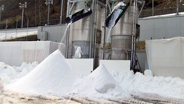 hi-snowmaking-852.jpg