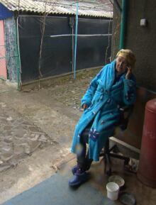 Circassian-woman-phone