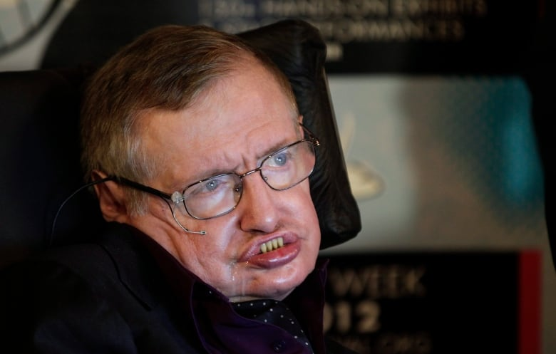 Stephen Hawking offers tip to Zayn Malik, One Direction fans