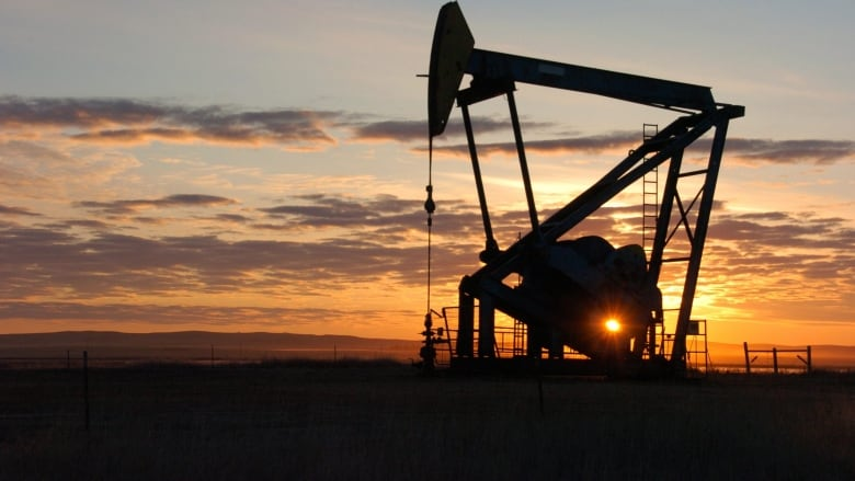 Alberta launches 2 programs aimed at boosting oil and gas