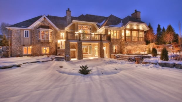 The property is a 15-minute drive from the edge of Calgary. (Sotheby's International Realty Canada)