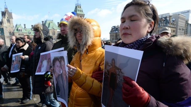Hundreds of people attended a vigil for Loretta Saunders earlier this week in Ottawa and called for a national inquiry into missing and murdered aboriginal women.