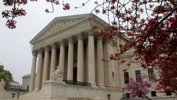 A new TV campaign is trying to rally public opinion to pressure the U.S. Supreme Court to allow video cameras to record the proceedings.