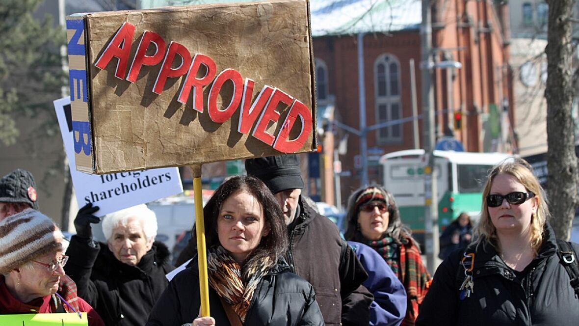 Hamilton protesters denounce line 9 reversal decision latest hamilton news cbc hamilton for Farcical reversal