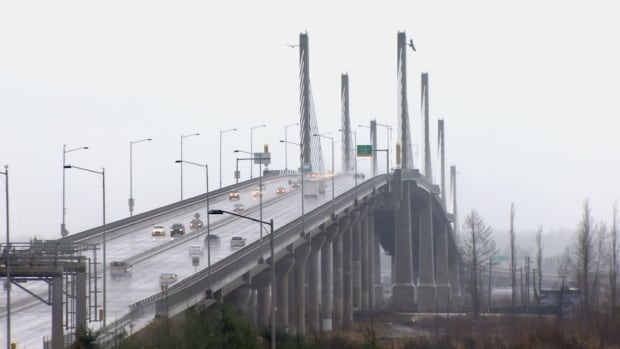 The Golden Ears Bridge, east of Vancouver, connects Maple Ridge on the north side of Fraser River with Surrey and the Trans-Canada Highway on the south side of the river.