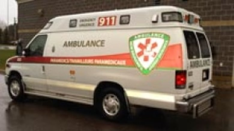 how to become an advanced care paramedic