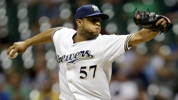 The spring training debut of Milwaukee Brewers' Francisco Rodriguez has been delayed after the reliever injured himself stepping on a cactus.