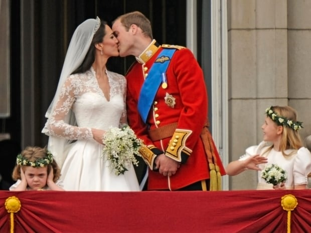 kate william kiss