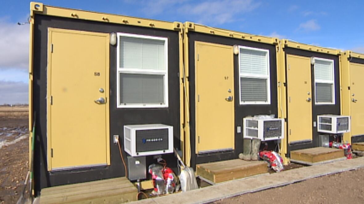 Shipping container motel a solution for estevan housing for Motel one wellness