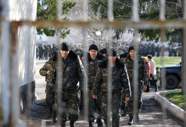UKRAINE-CRISIS/CRIMEA-RUSSIA Ukraine soldiers