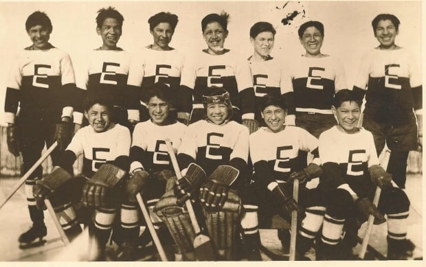 Ermineskin Indian Residential School hockey team