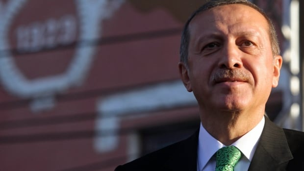 Turkish Prime Minister Recep Tayyip Erdogan vowed to make his country the second nation - after China - to block the social media network Twitter.