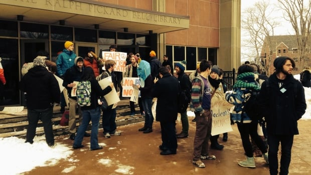 Mount Allison University students protested earlier this week in support of a tuition rebate to compensate them for class time lost during the faculty strike earlier this winter.