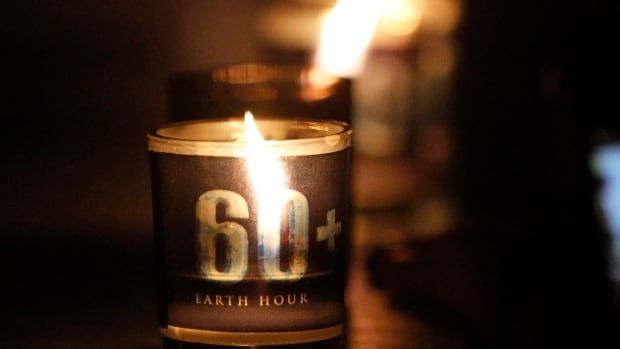 Canadians across the country participated in 8th annual Earth Hour event.