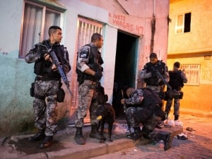 Rio slum stormed drugs
